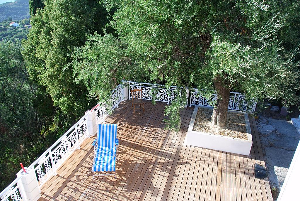 villa_holz_terrasse-013